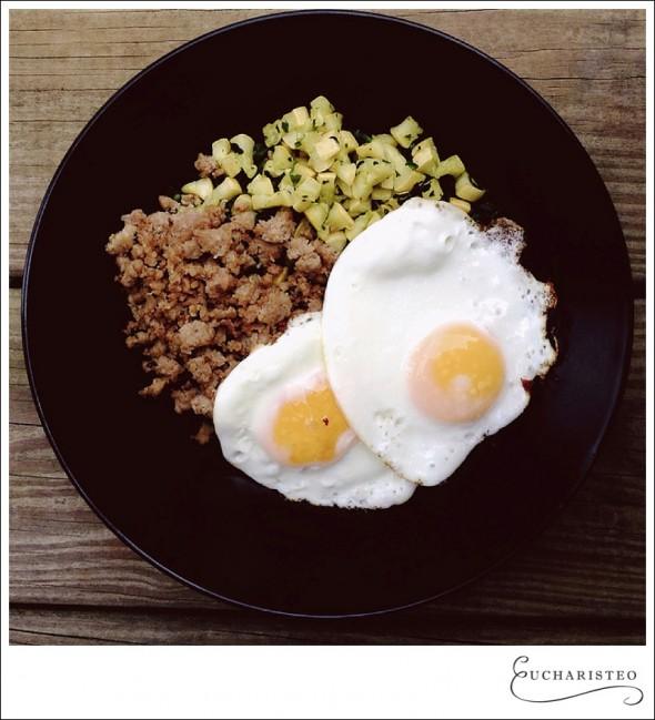 Eggs, squash, turkey bacon and spinach - Eucharisteo.com