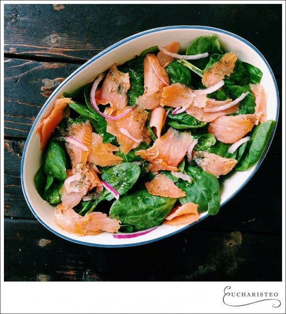 Smoked salmon salad - Eucharisteo.com