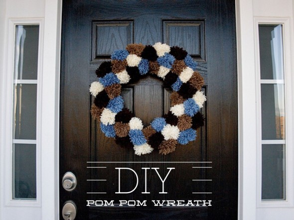 DIY Pom Pom Wreath - Eucharisteo.com